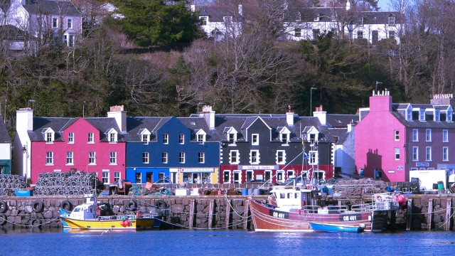 Tobermory's iconic colourful houses
