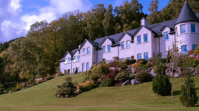 Your Loch Ness hotel