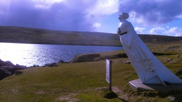 White Wife statue on Yell